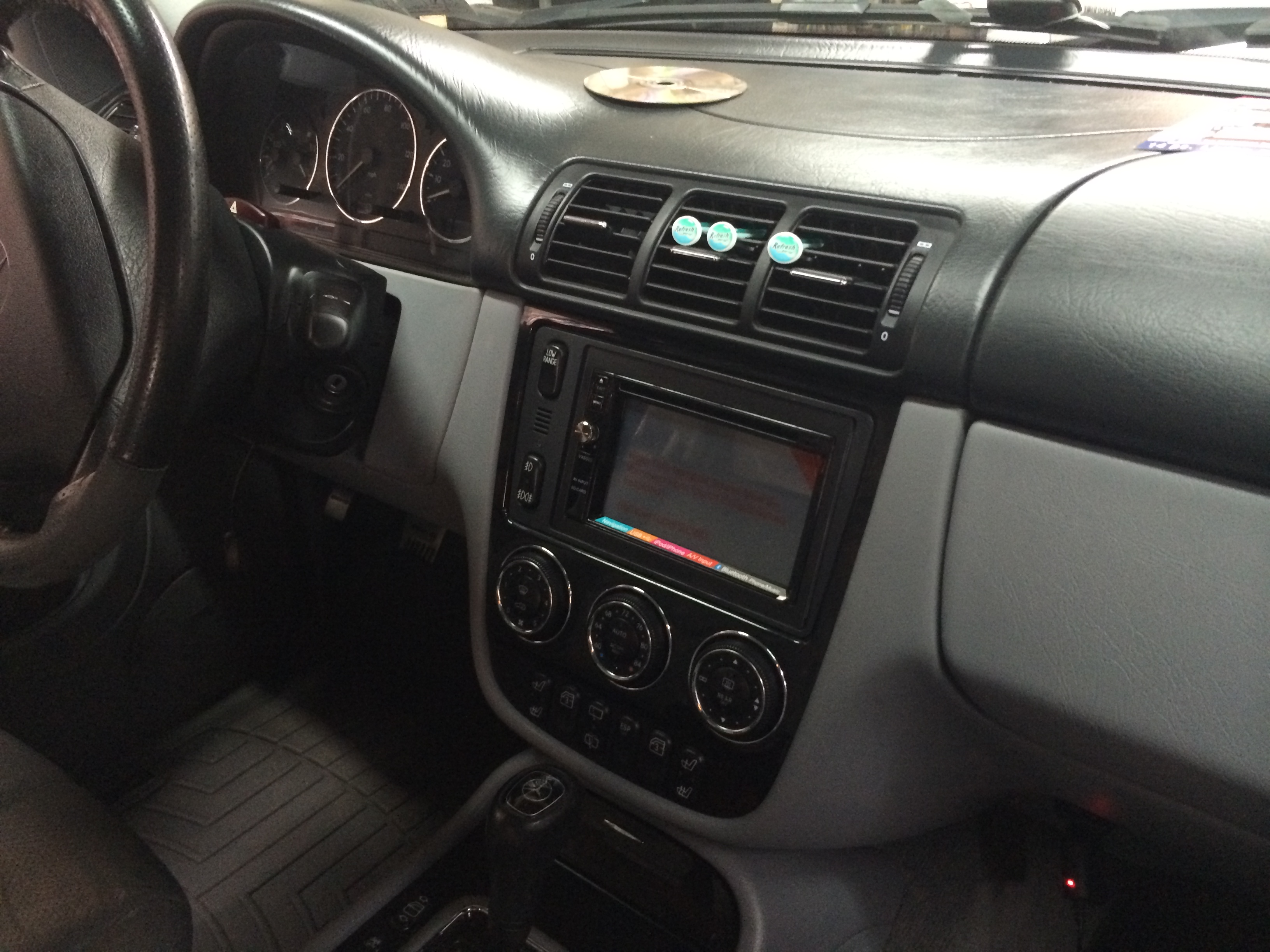2006 mercedes ml350 nav install high end car stereos for Mercedes benz stereo installation